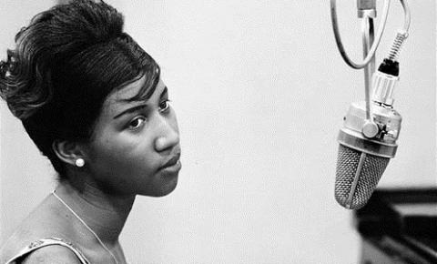 Morre a Rainha do Soul Aretha Franklin